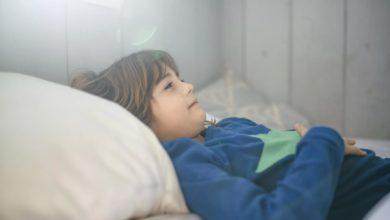 发现和解决自闭症儿童的胃肠道问题的照片